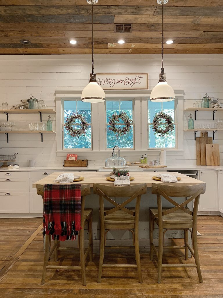 Decorating the Waco Kitchen for Christmas