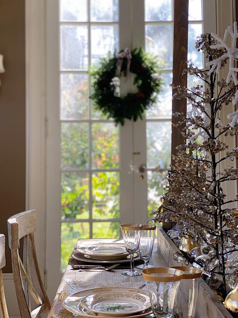 Dining Room Christmas Decor