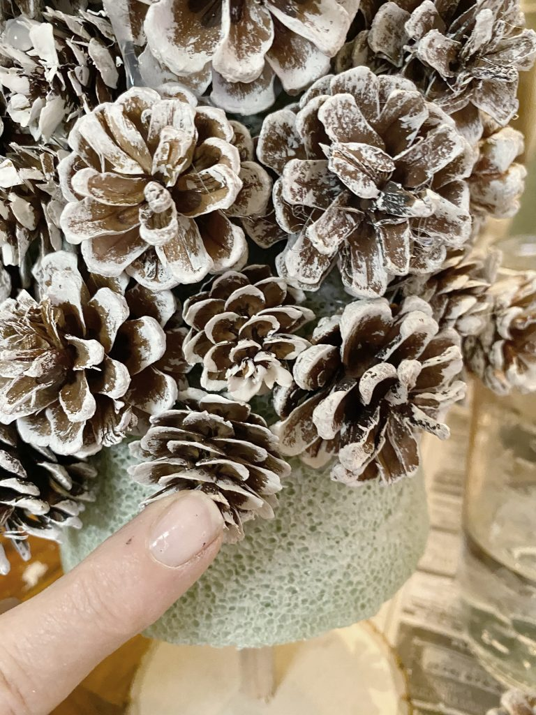 How to Make Pine Cone Wreaths