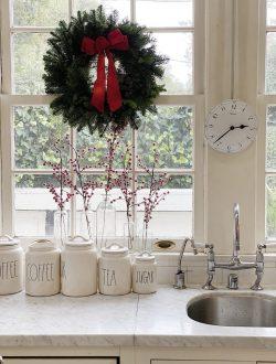fresh-wreaths-in-the-windows