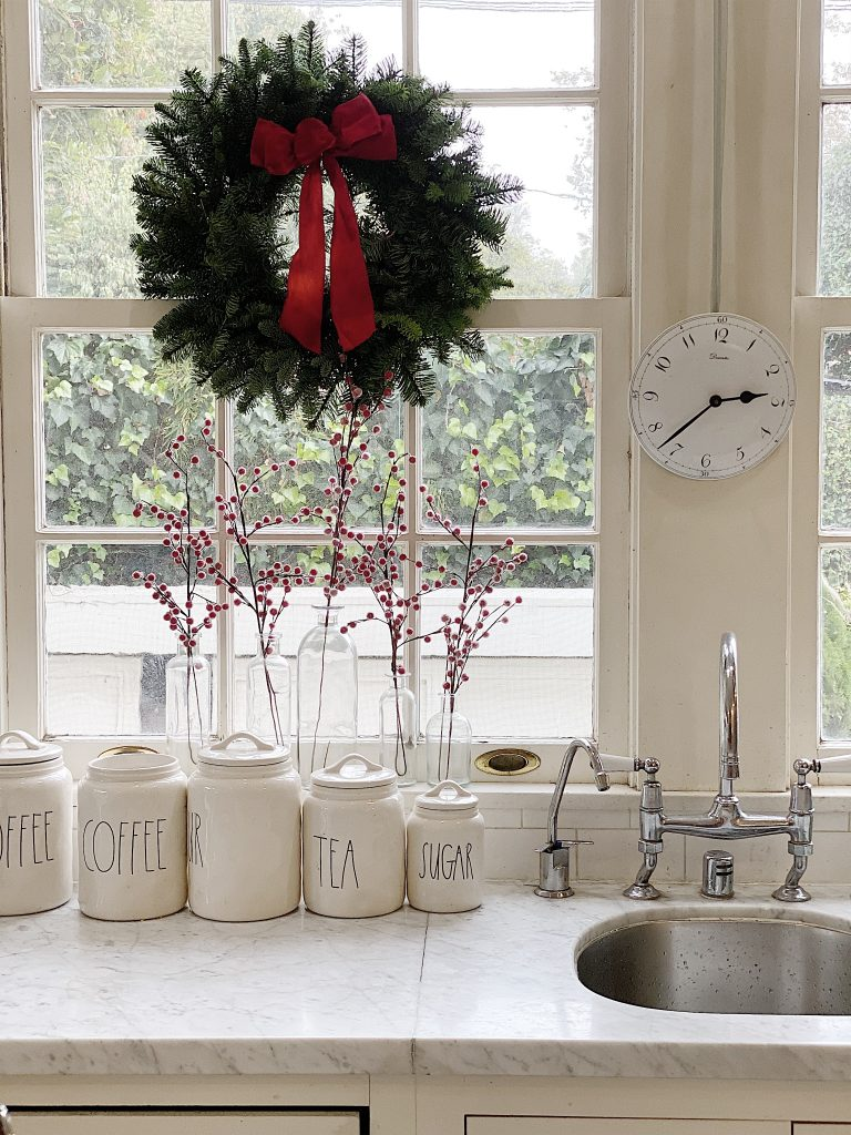 I Am So Excited To Share With You Easy Elegance Wednesdays, Where We Celebrate Simple Elegant Decor. Today I Am looking back at Christmas Kitchen Decor from last year.