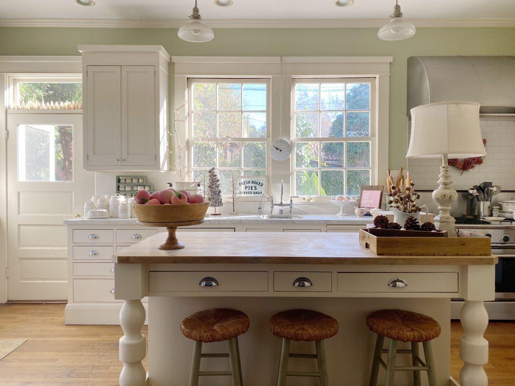 Farmhouse Kitchen Decor Ideas 1