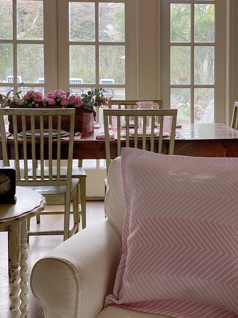 Home Decor Ideas with Custom Fabric Pink Pillows and Napkins