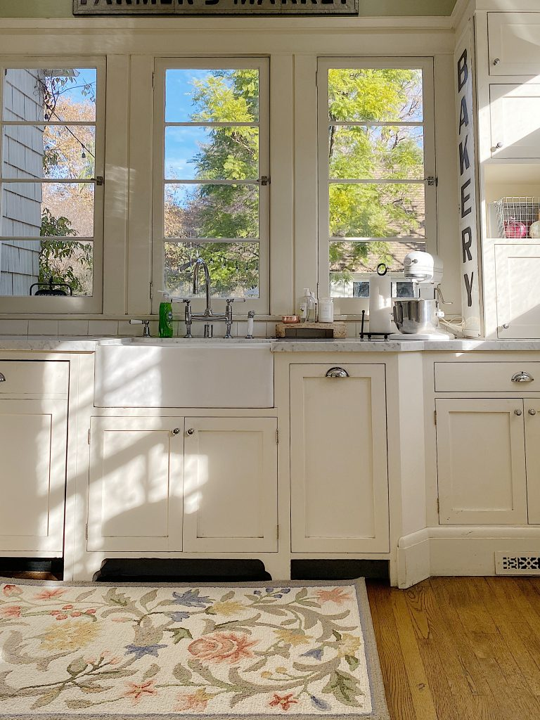 How to Organize Your Kitchen and New Rugs
