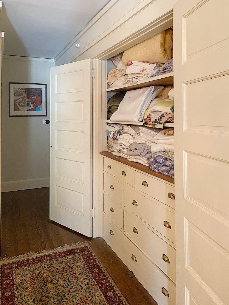 Organize a Linen Closet Before