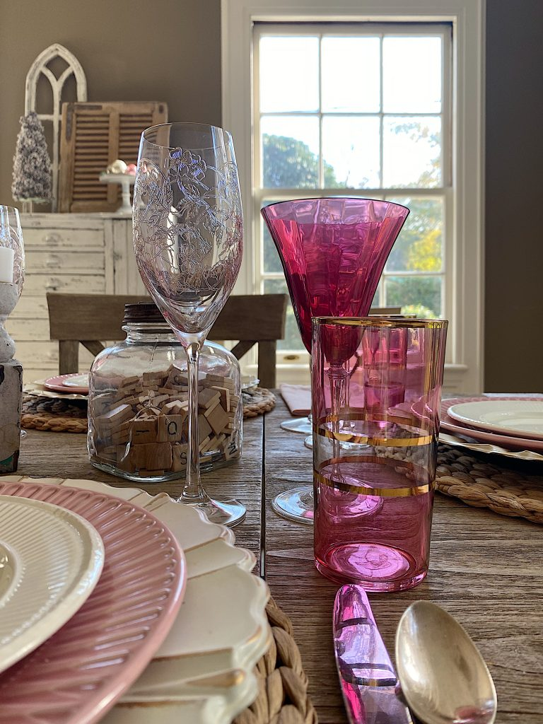 The Best Farmhouse Dining Room Table