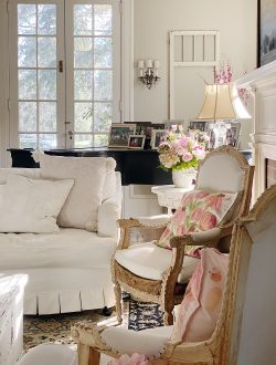 Winter-Decorating-Ideas-in-the-Living-Room