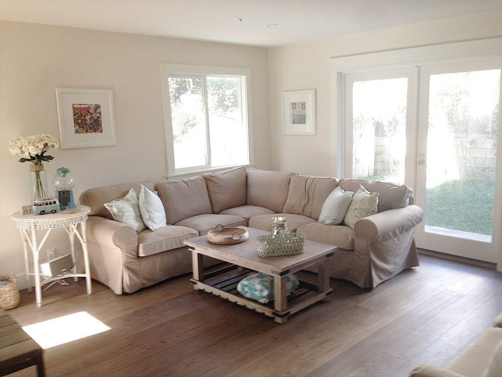 beach-house-family-room