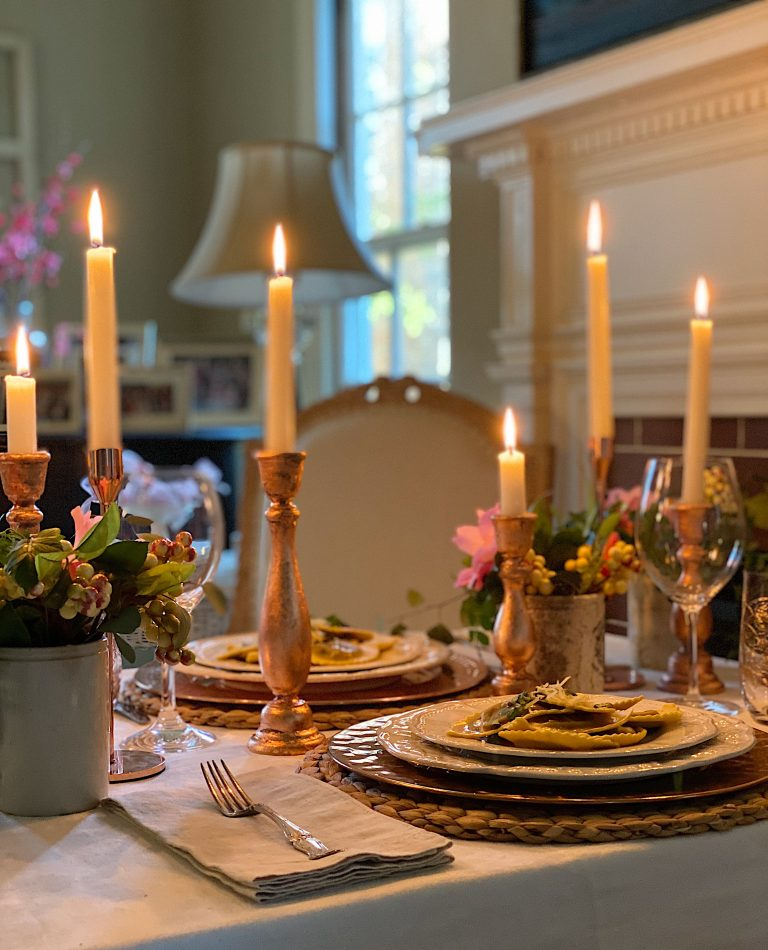 How to Create a Romantic Dinner at Home