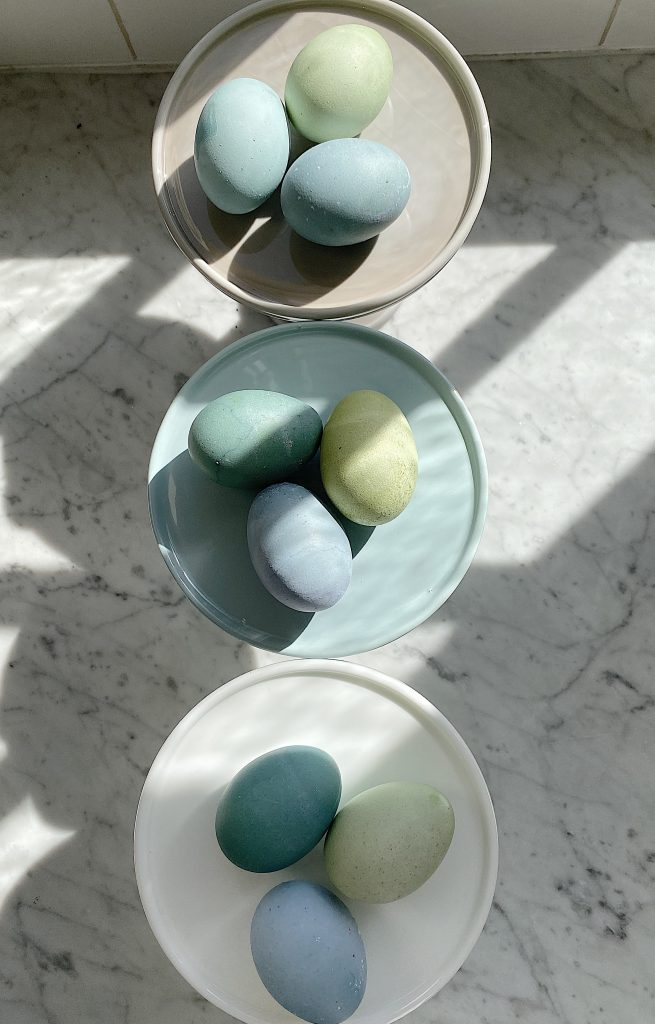 How to Dye Easter Eggs Blue and Green