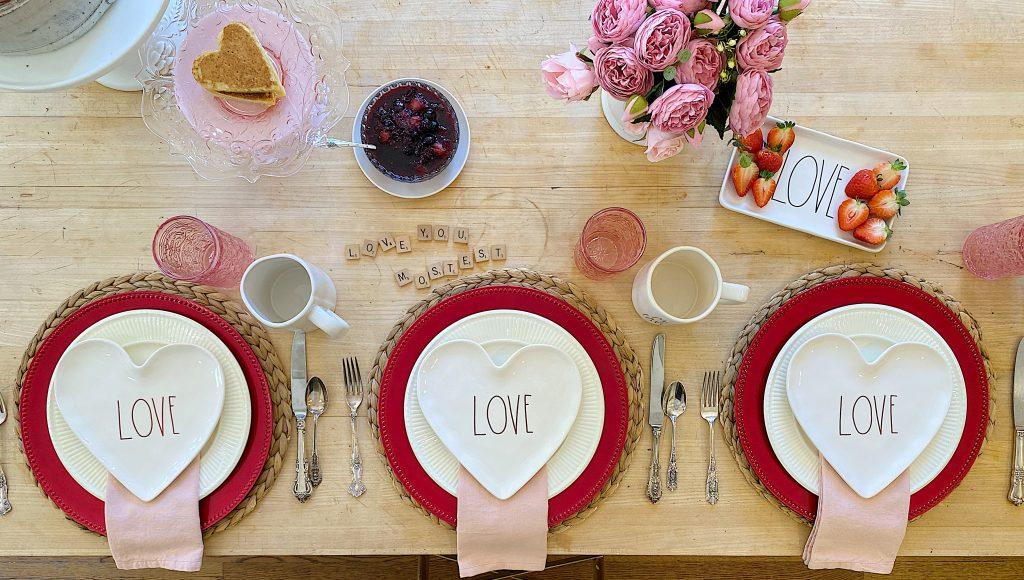Valentine's Day Breakfast Place Setting Ideas