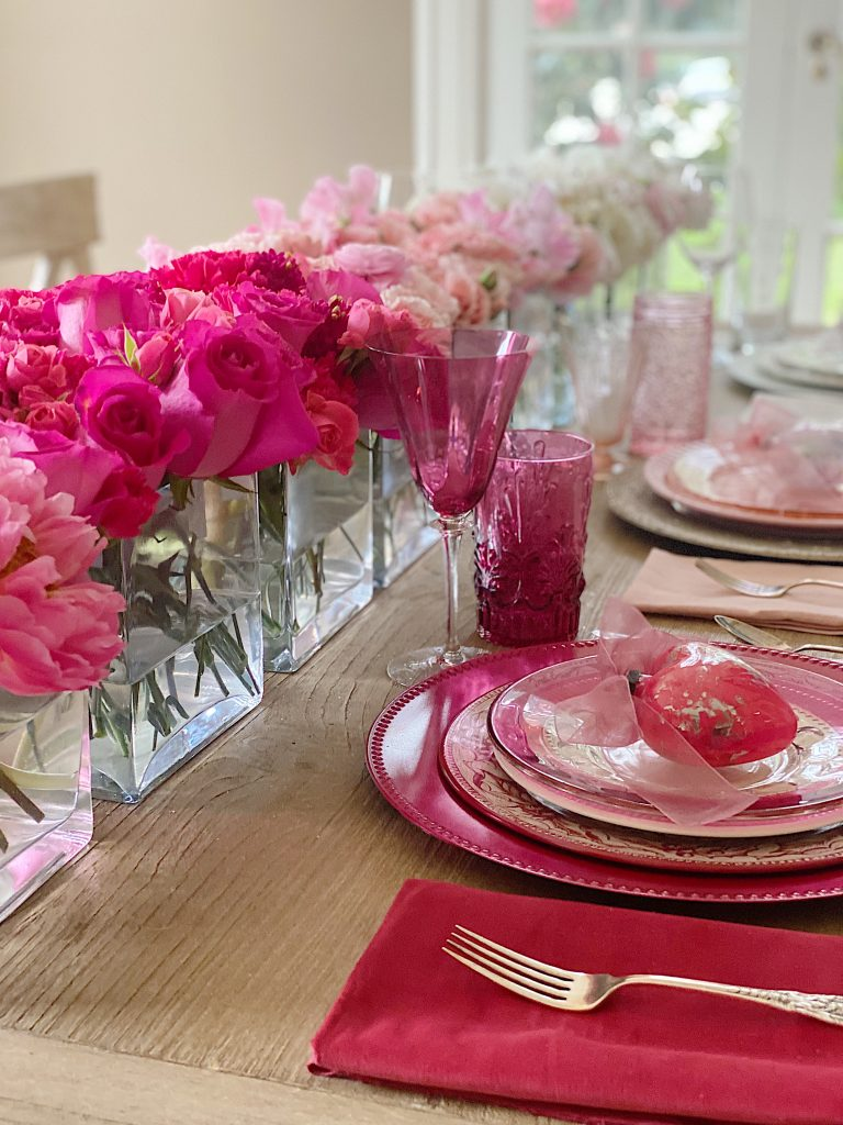 Valentine's Day Table Decorations Ombre