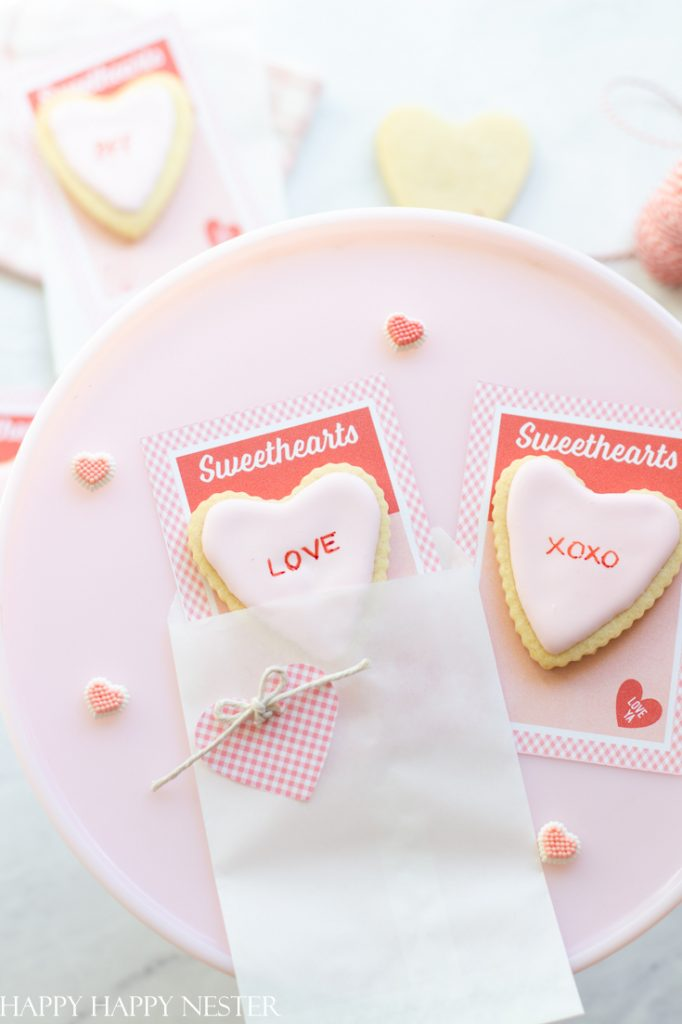 how-to-make-a-valentine_s-day-card-step-by-step-1