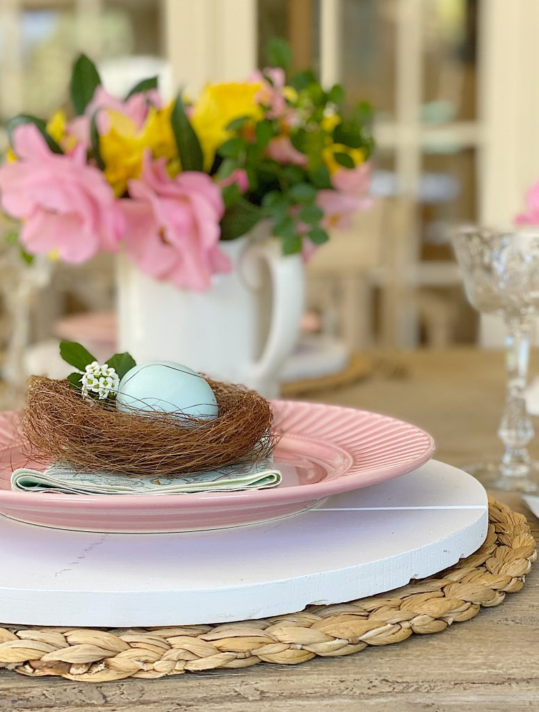 Creative and Colorful Table for Easter Dinner