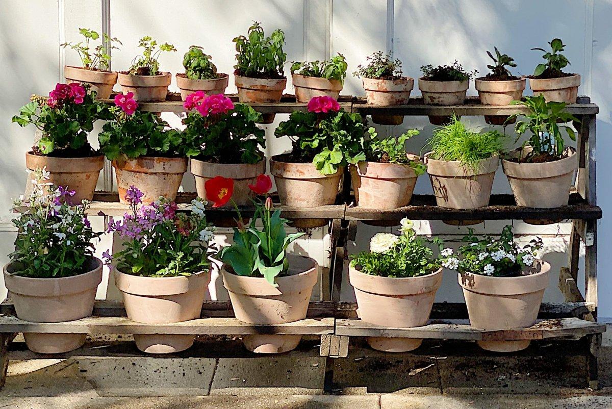 How to Make Vintage Garden Pots
