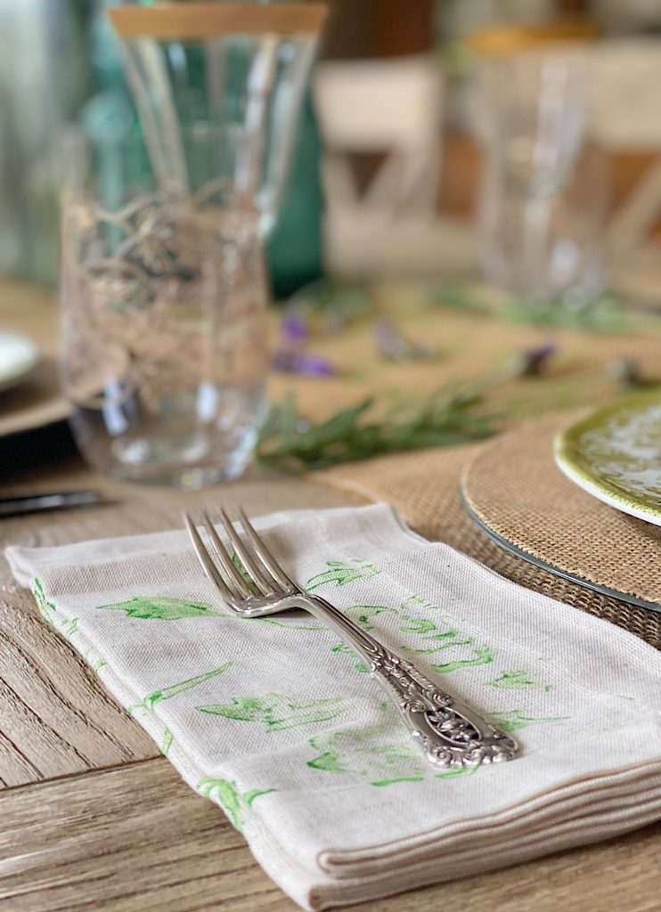 New Spring Crafts Easy Painted Napkins