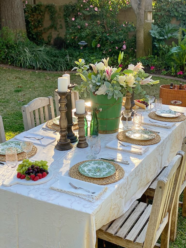 Setting Up Outdoor Dining