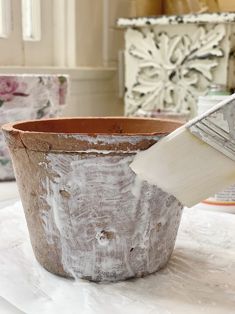Decoupage Terra Cotta Pots with Mod Podge