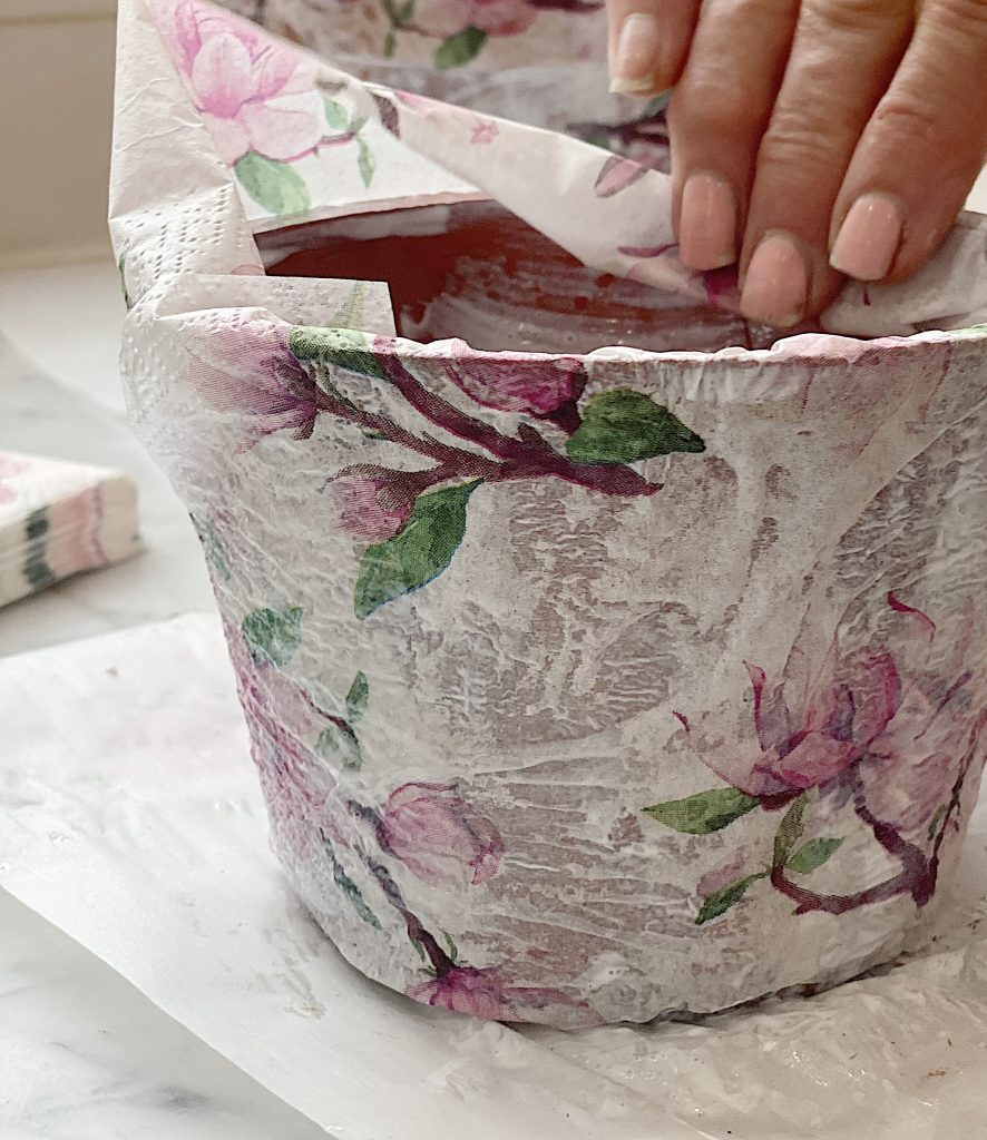How to Decoupage Terra Cotta Pots with Napkins and Mod Podge