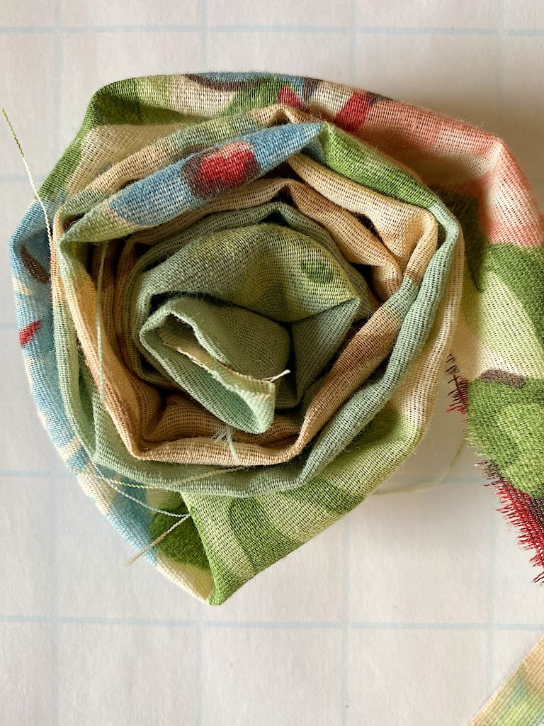 How to Make a Flower Craft Pillow with Roses