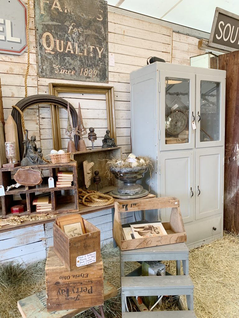 How to Plan a Trip to Round Top Vintage Market