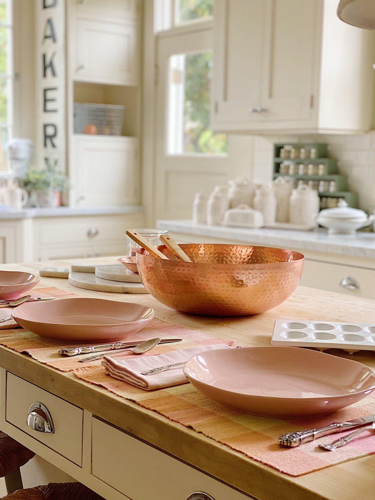 Pink Dinnerware Plates and Bowls