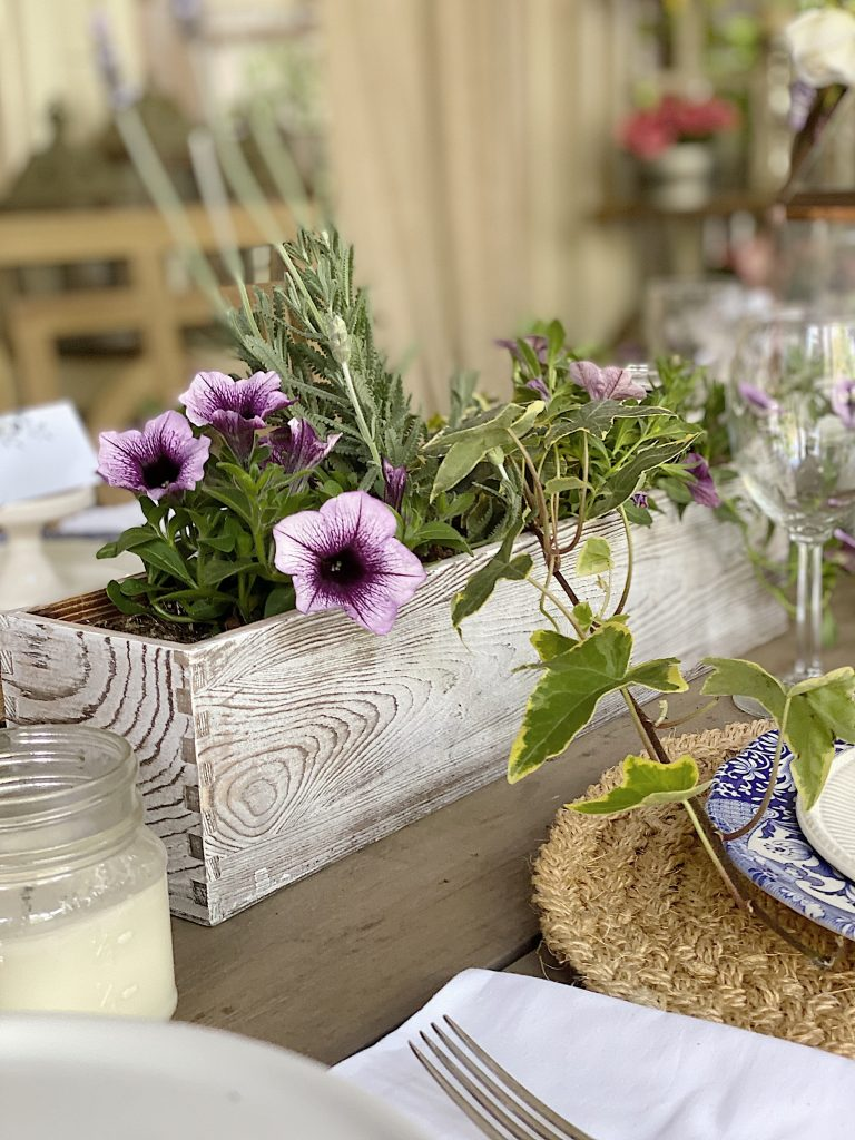Table Centerpiece Ideas for Outside Dining