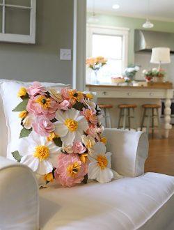 make-a-felt-flower-pillow