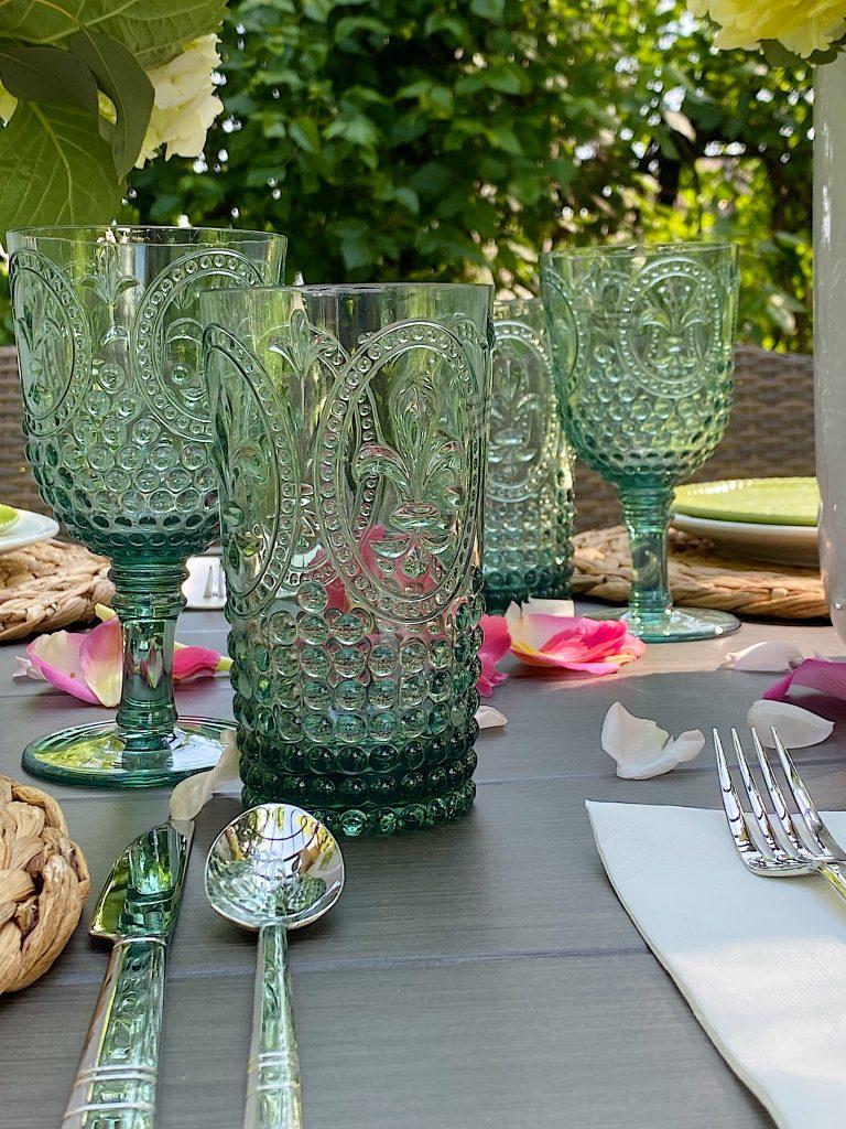 Outdoor Dining Plastic Glassware