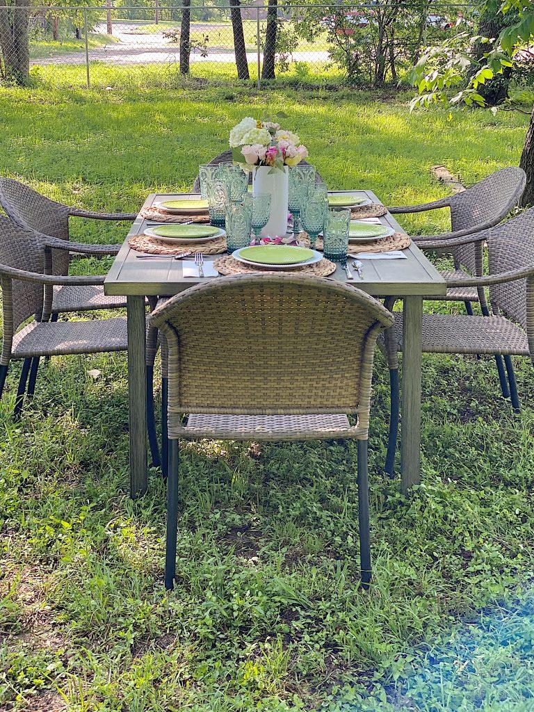 Outdoor Dining for Breakfast