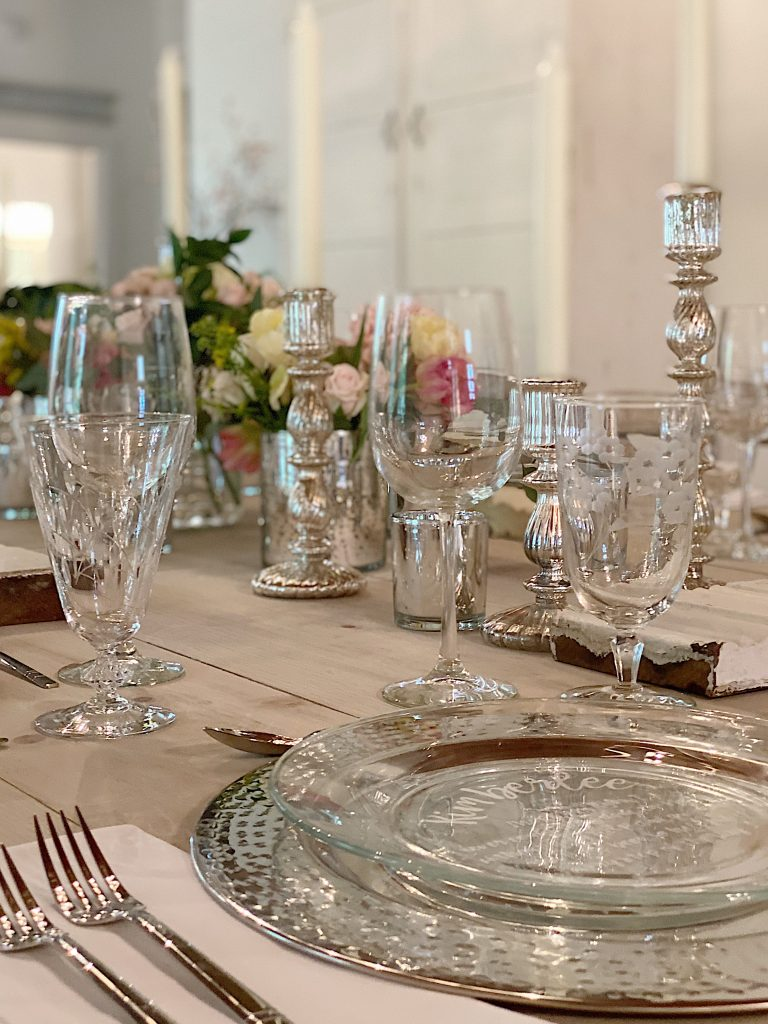 Tablesetting for Dinner with Friends