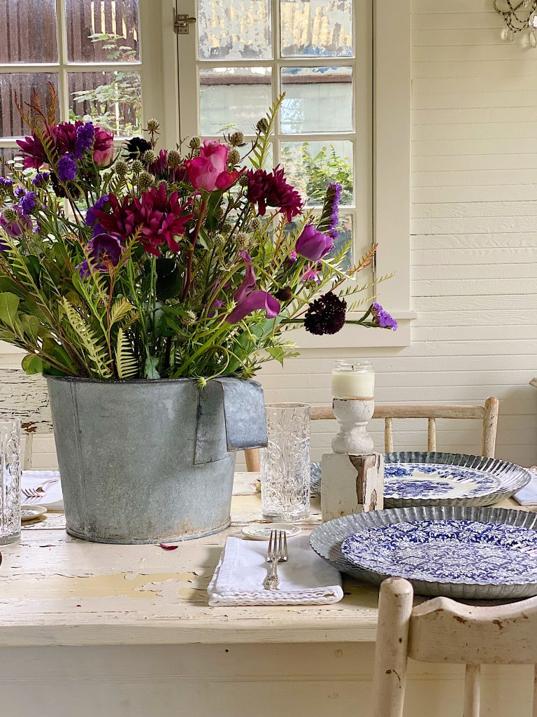 A Farmhouse Dining Room Party