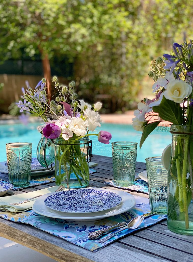 Al Fresco Dining by the Pool