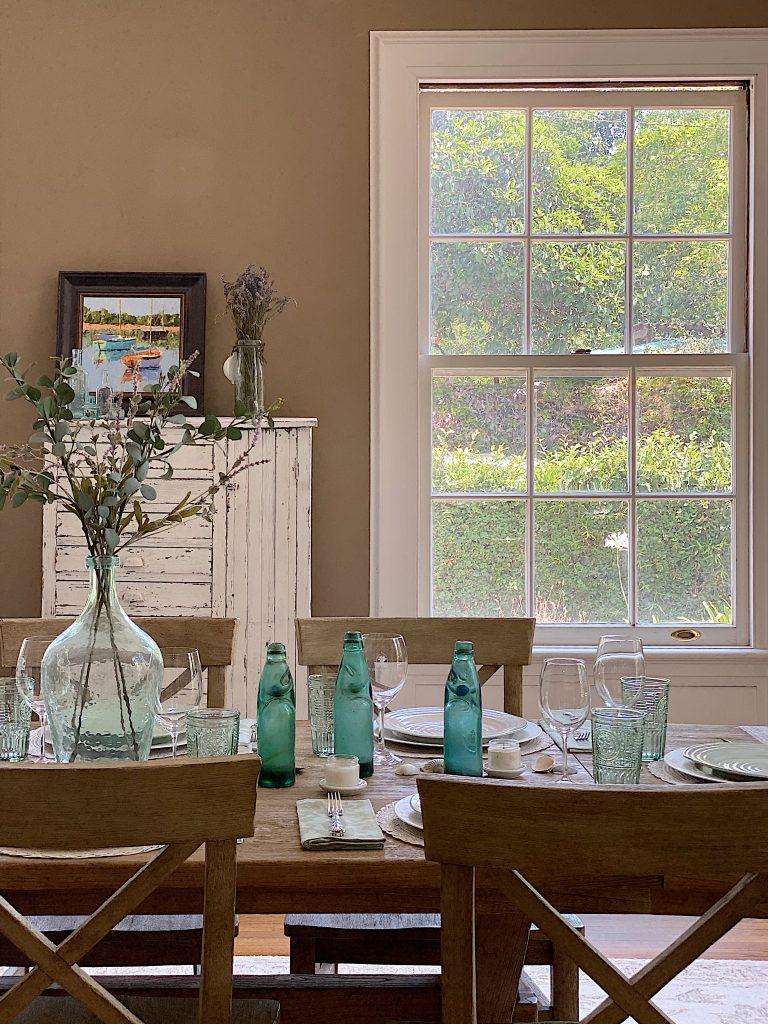 A Modern Farmhouse Dining Room