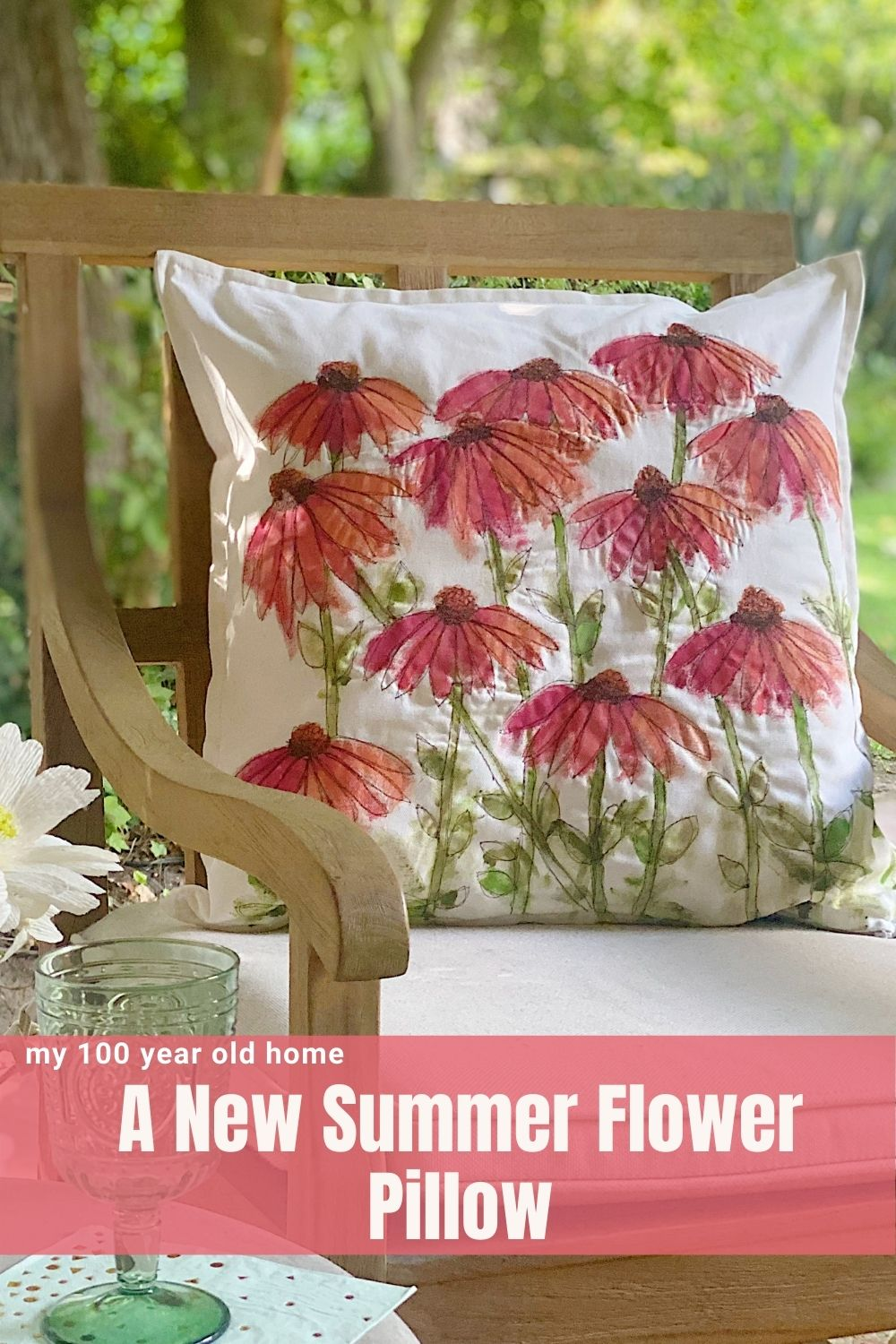 I made a new summer flower pillow this week. Today I am sharing how to make a pillow cover with paint and free motion stitched embroidery.