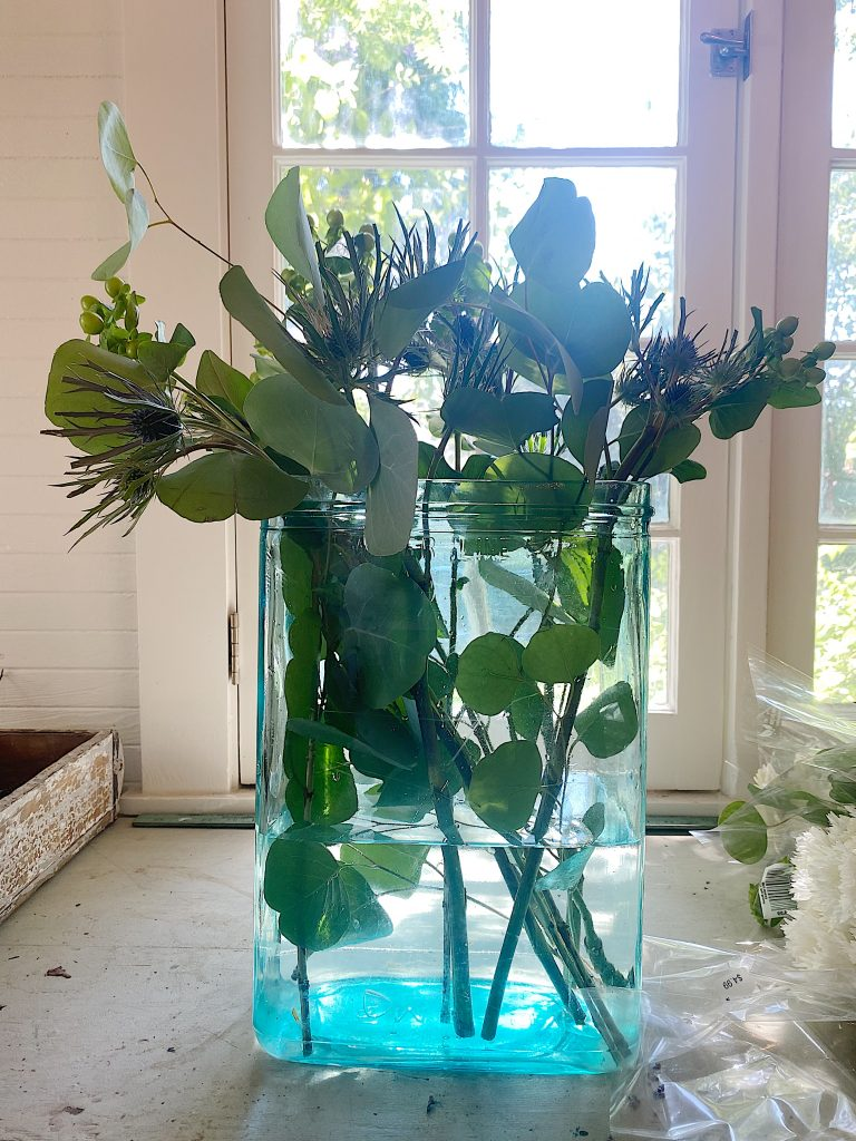 Arranging Flowers for Outdoor Dining