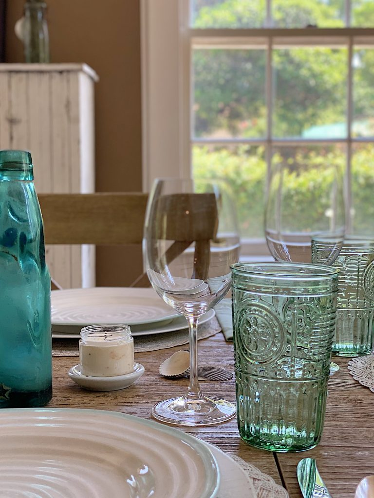 Decorating Tips for a Modern Farmhouse Dining Room