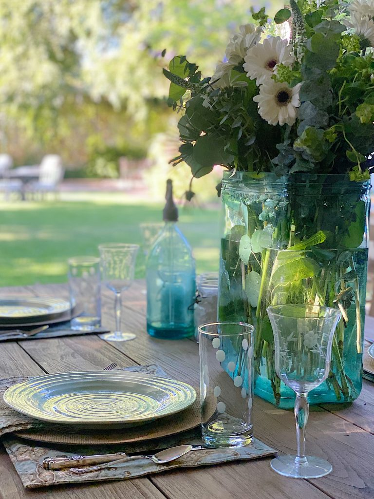 Outdoor Dining and New Summer Colors