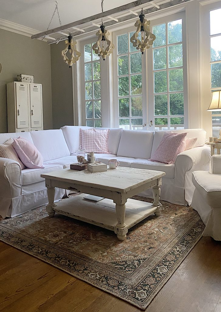 Summer Decor Ideas in the family Room