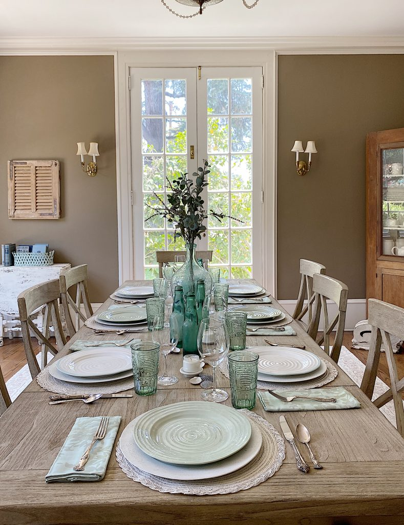Using Color to Decorate a Modern Farmhouse Dining Room