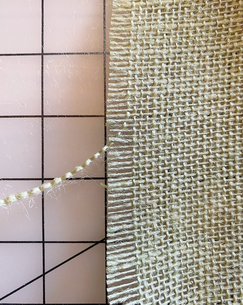 Burlap Table Runner How to Cut