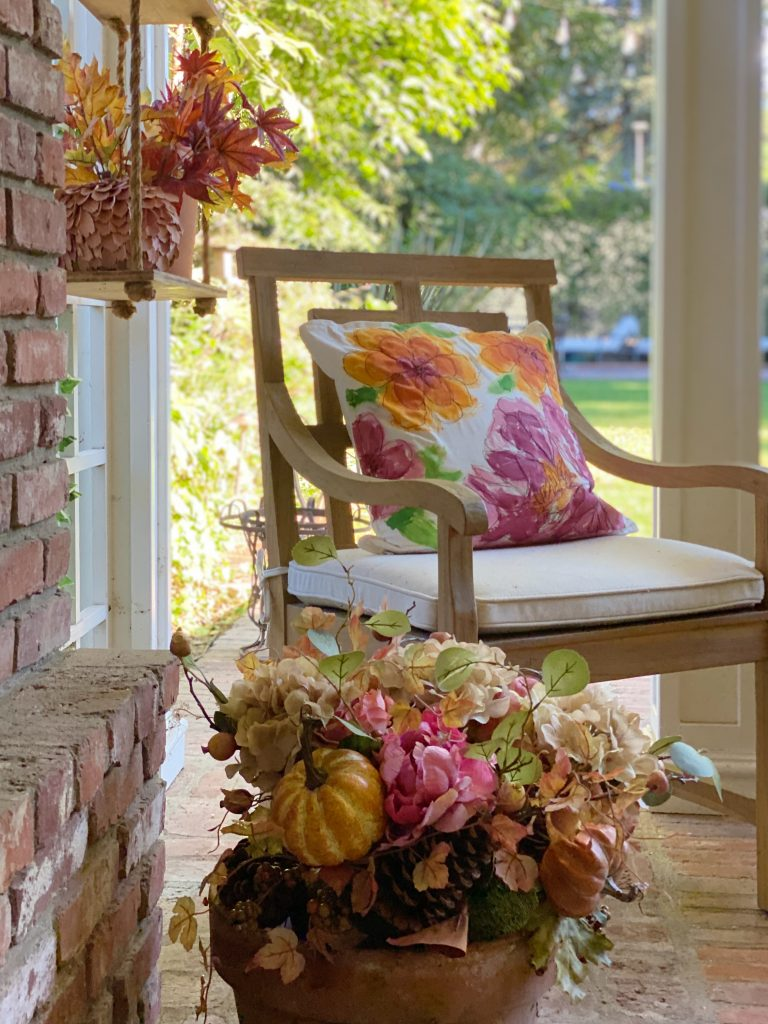 Decorate Your Home with Outdoor Fall Decor