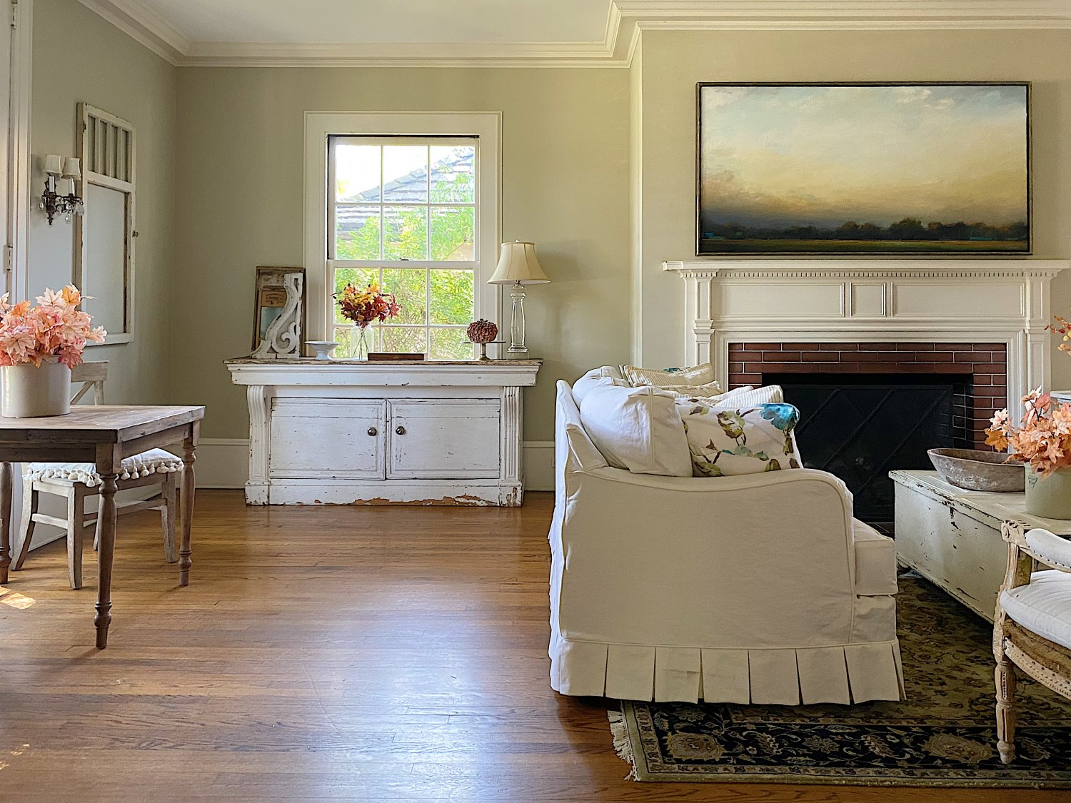 Five Ways to Ease into Autumn Decor in the Living Room