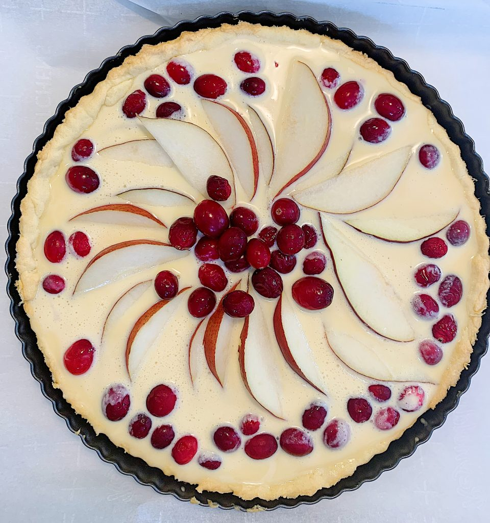How to Make a Cranberry and Pear Tart
